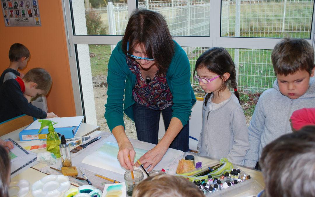 Atelier pédagogique école primaire de Dry avec l'artiste aquarelliste Claire Valentin